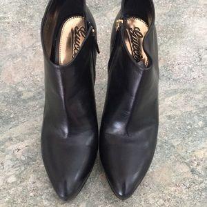 Gucci shoes size 40